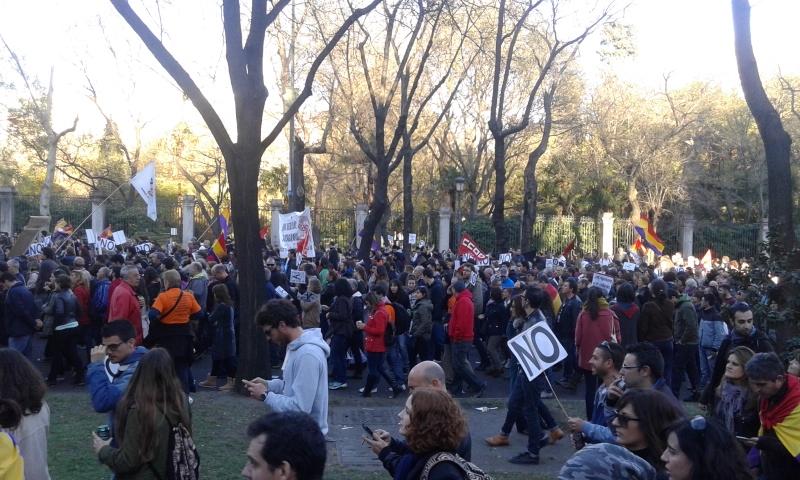 22M_Manifestantes_Paseo_del_Prado