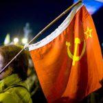 Crimea_se_despierta_rusa_banderasoviética