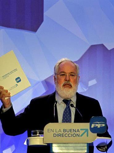 El ministro de Medio Ambiente, Miguel Arias Cañete, en una imagen de archivo. / Efe