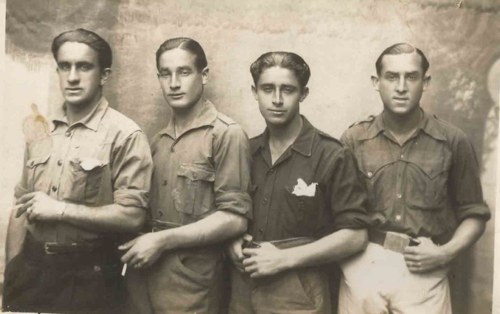 José Alvarez Alonso, segundo por la izquierda, detenido y torturado tras la Guerra Civil, en el Batallón de Trabajadores con otros compañeros.