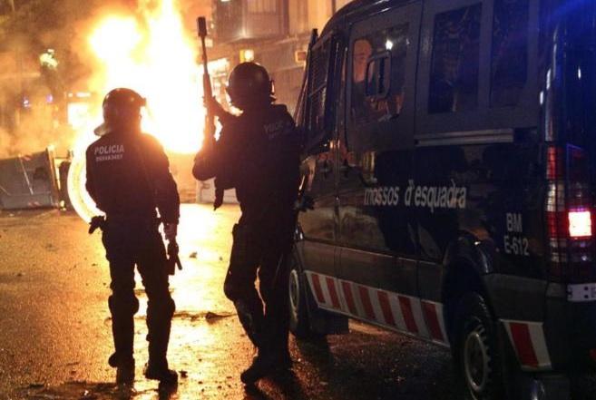 barrio_de_Sants_enfrentamientos_cóctel_molotov