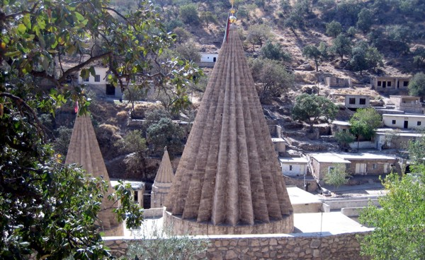 cupulas_Lalesh_yezidis