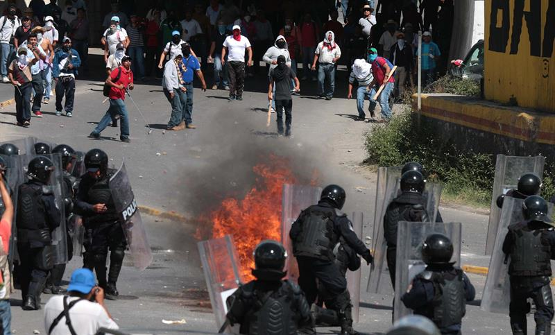 Estudiantes_maestros_masacre_Iguala