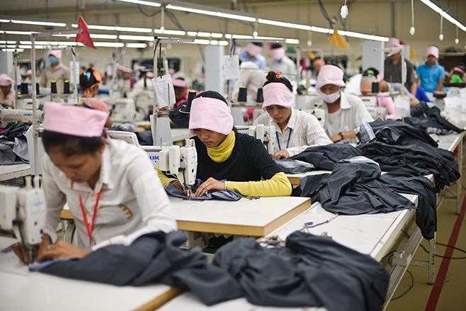 Trabajadoras_textil_Camboya_HRW