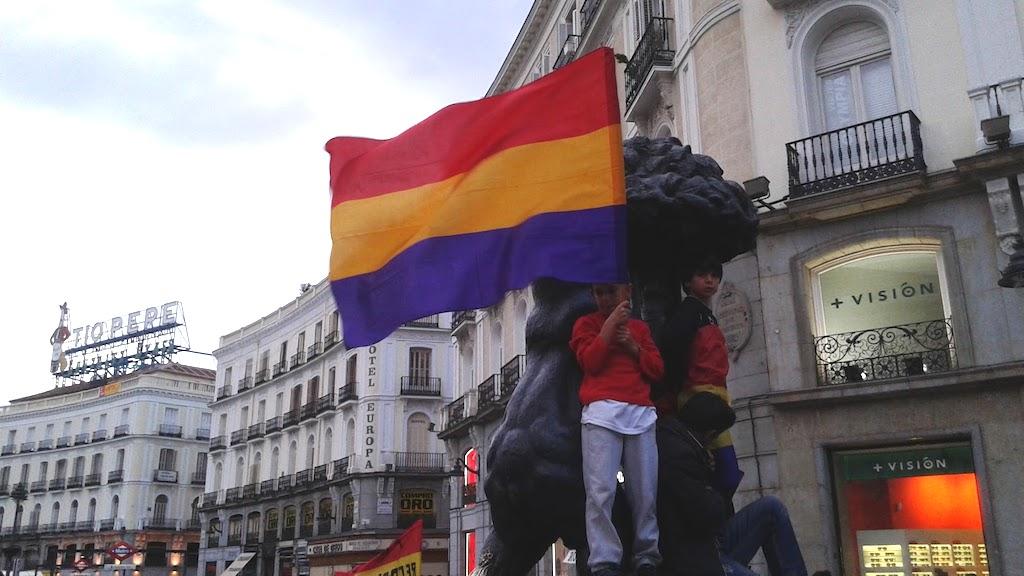 Estatua_Oso_Madroño_III_República