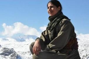 Kevser Elturk, en un lugar indeterminado de las montañas kurdas.