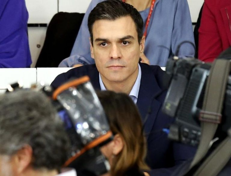 Pedro Sánchez, aún secretario general del Partido Socialista, durante el Comité Federal. / Sergio Barrenechea (Efe)