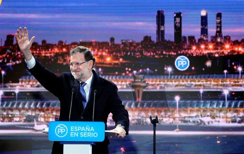 El presidente del Gobierno, Mariano Rajoy, ayer, durante el acto de inicio de campaña organizado por el PP en Madrid. / Ballesteros (Efe)