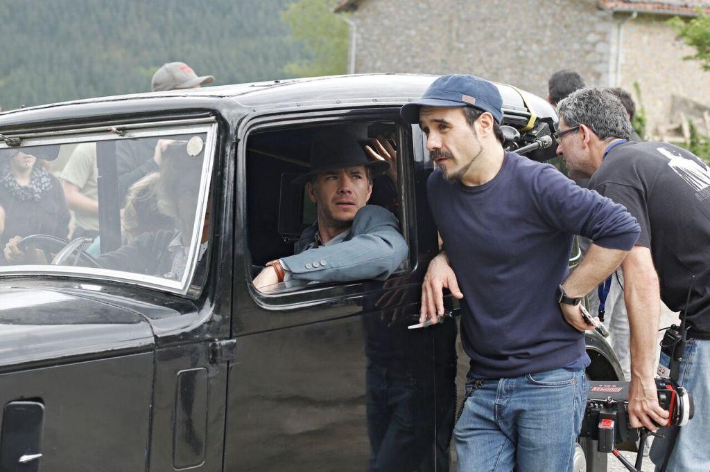 Koldo Serra, durante el rodaje de 'Gernika'. / Betta Pictures.