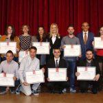 Cifuentes-en-la-entrega-de-los-Premios-Extraordinarios-de-Educación-2016