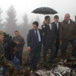 Federico-Trillo-visita-el-lugar-del-accidente-del-Yak-42-en-Trebisond-Turquía