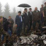 Federico Trillo, junto con personal del Ministerio de Defensa visita el lugar donde se estrelló el Yak 42