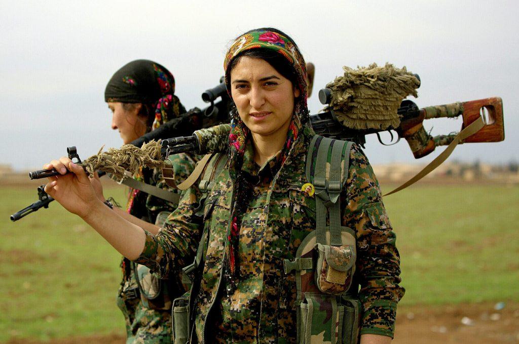 Milicianas kurdas del YPG en Siria.