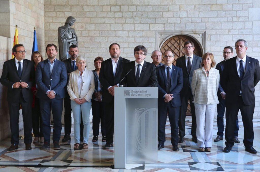 Carles Puigdemont, presidente de la Generalidad de Cataluña, ha comparecido para denunciar las detenciones de 14 altos cargos de su administración