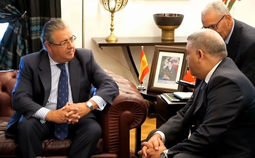 El ministro del Interior, Juan Ignacio Zoido, en l reunión sostenida el pasado martes en Rabat con su homólogo marroquí, Abdelouafi Laftit.