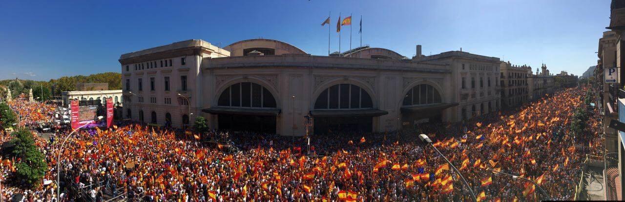 Vista panorámica de la manifestación a favor de la unidad de España que se celebró el 8 de octubre en Barcelona.