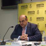 El director de la sección española de Amnistía Internacional, Esteban Beltrán, en una conferencia.