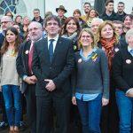 Puigdemont con miembros de Juntos por Cataluña, en Brujas