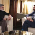 Roger Torrent, presidente de la Mesa del Parlament catalán, conversa con Carles Riera, cabeza de fila de la CUP