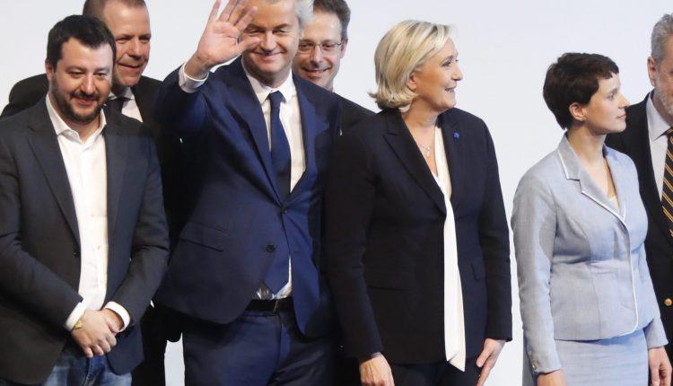 De izquierda a derecha Matteo Salvini, líder de la Liga Norte, Harald Vilimsky del (FPOe) de Austria, Geert Wilders, líder del holandés PVV, Marcus Pretzell, miembro de la AfD alemana, Marine Le Pen, líder del Frente Nacional francés y Frauke Petry, presidenta de la AfD. epidemia ultra