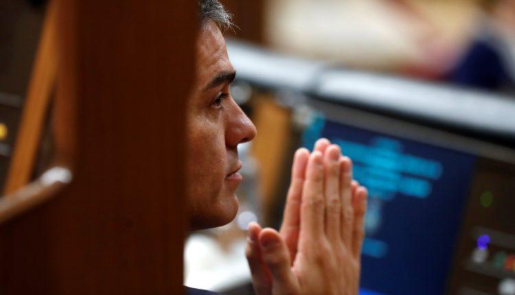 El presidente del Gobierno, Pedro Sánchez, durante la segunda jornada del debate de las enmiendas a la totalidad del proyecto de Presupuestos Generales del Estado.