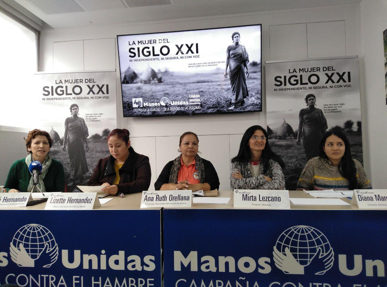 Mesa de mujeres que trabajan contra la violencia machista y la desigualdad en América Latina organizada por Manos Unidas/ M.F.S.