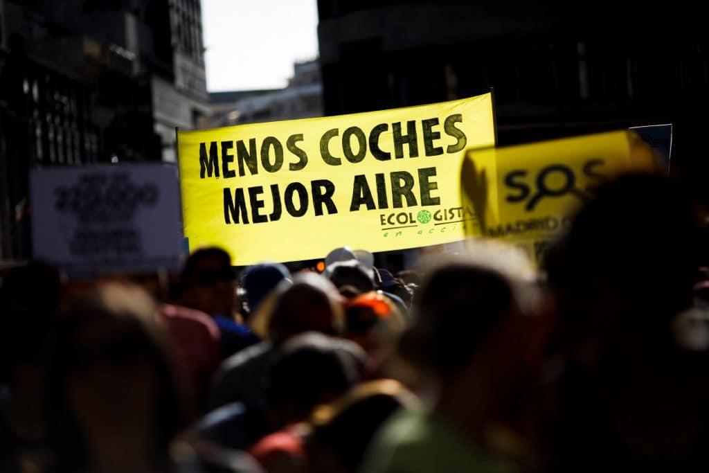 La manifestación en apoyo a Madrid Central. EFE/David Fernández