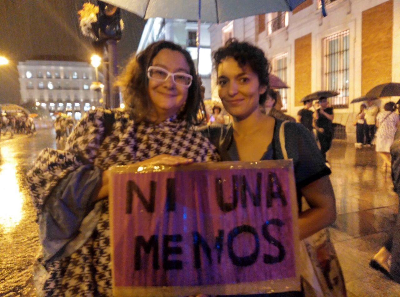 Verónica Bordón (i) y María Santana (d), dos manifestantes./ M.F.S.